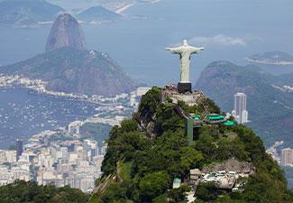 Tour Corcovado com ingresso (subida de van) e City tour Maracanã + Escadaria Selaron + Catedral + Maracanã