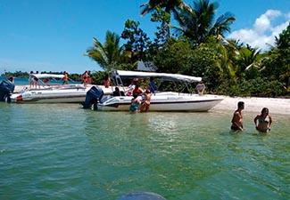Passeio pelas Ilhas da Baia de Camamu (Veículo de Turismo + Lancha Rápida) - Saída de Itacaré