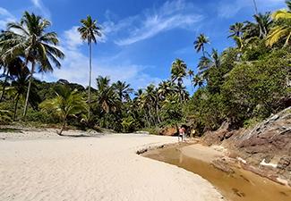 Prainha com praia de São Jose