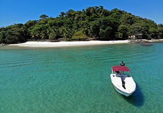 Passeio de Lancha Privativa - Ilhas de Angra