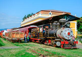 Passeio Trem em Dobro - Maria Fumaça (Classe Boutique - Vagões: Camarote ou Imperial ou Barão do Serro Azul)