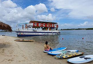 Croa do Goré com Ilha dos Namorados - Embarcação