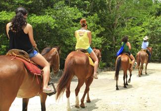 Cavalgada, Tirolesa e Aventura em Cenote