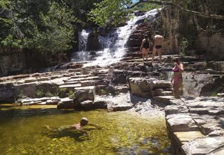 Capitólio com 10 Cachoeiras em veículos 4x4
