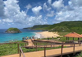 Ilhatur + Mirante dos Golfinhos + Trilha Costa Esmeralda (3 dias)