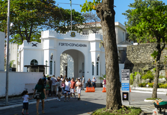 Walking Tour Copacabana - História e Curiosidades