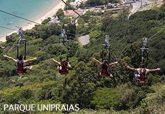 COMBO - Transfer de Chegada e Saída - Aeroporto de Navegantes para Balneário Camboriú +  ida e volta entre Balneário Camboriú ou para Itajaí + 01 dia de Parque Beto Carrero