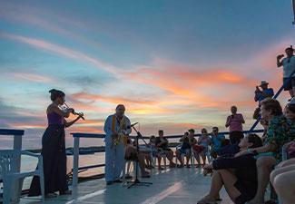 COMBO - Transfer de Chegada e Saída + City Tour + Litoral Norte com Entardecer na Praia do Jacaré (Bolero de Ravel)